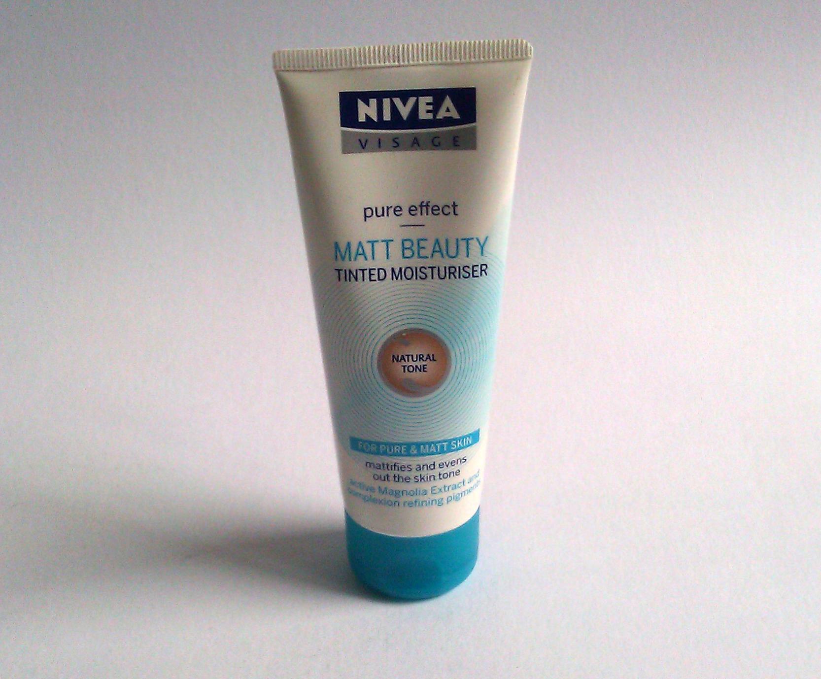 Tónující matující emulze NIVEA VISAGE Pure Effect Matt Beauty