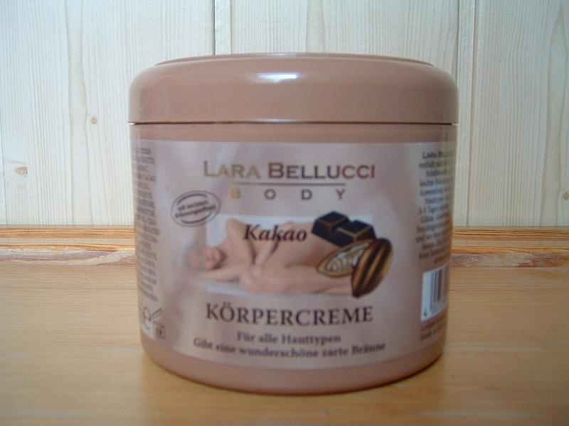 Samoopalovací tělové mléko s kakaem Lara Bellucci